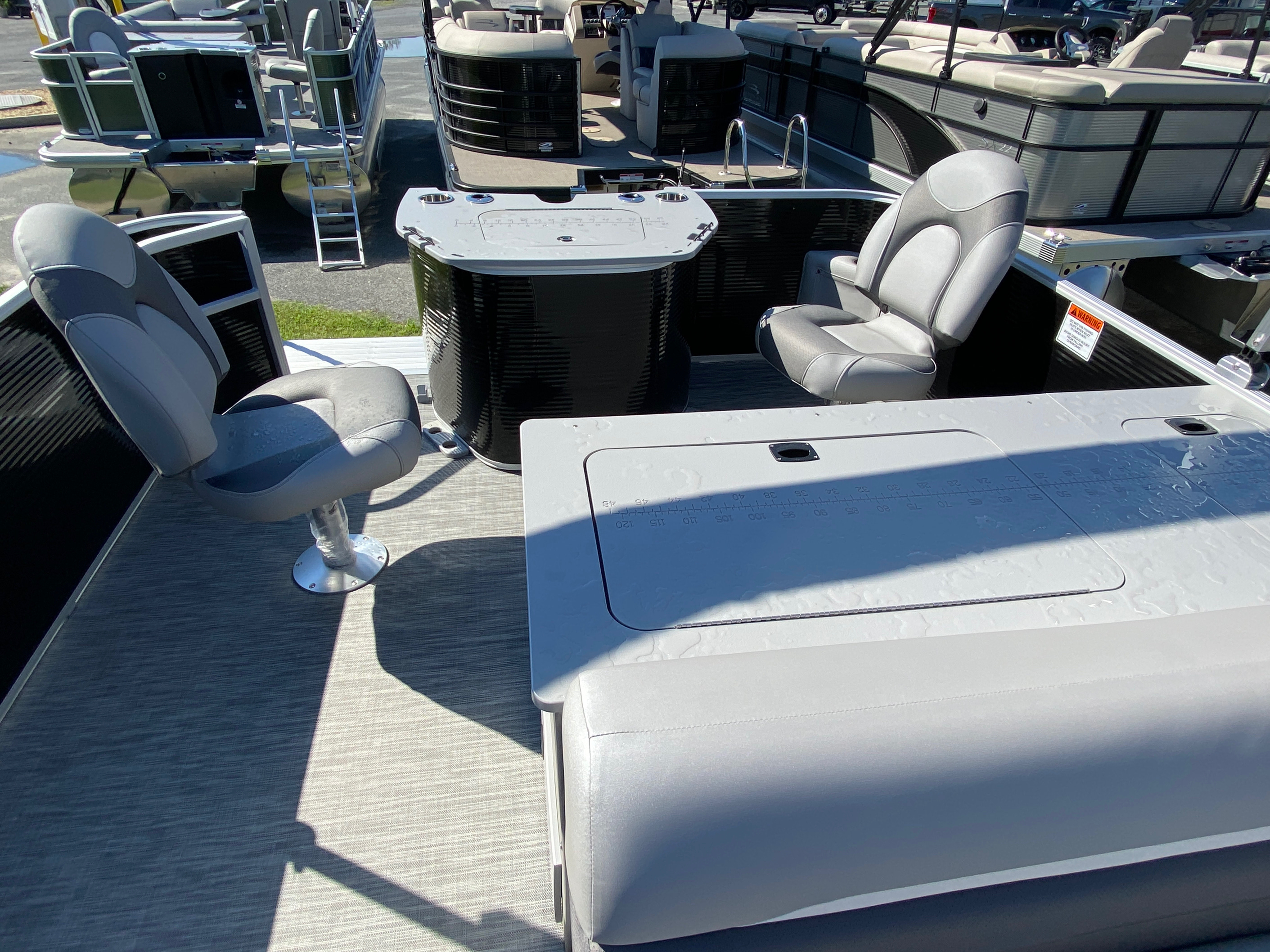 2020 Bennington boat for sale, model of the boat is 20 SFX & Image # 5 of 9