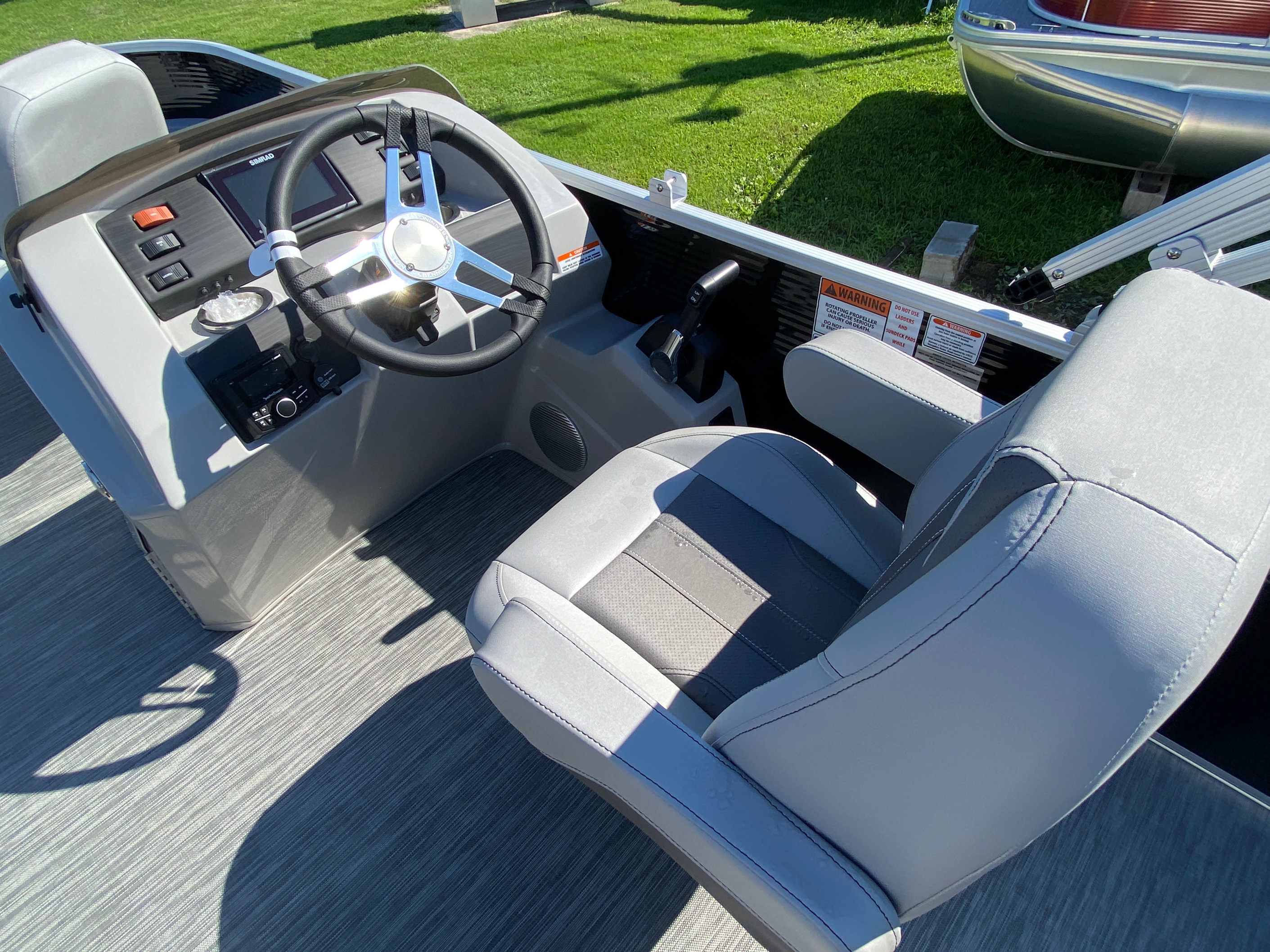 2020 Bennington boat for sale, model of the boat is 20 SFX & Image # 7 of 9