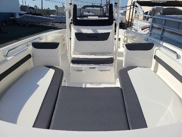 2022 Bayliner boat for sale, model of the boat is T22CC & Image # 5 of 27