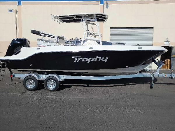 2022 Bayliner boat for sale, model of the boat is T22CC & Image # 1 of 27