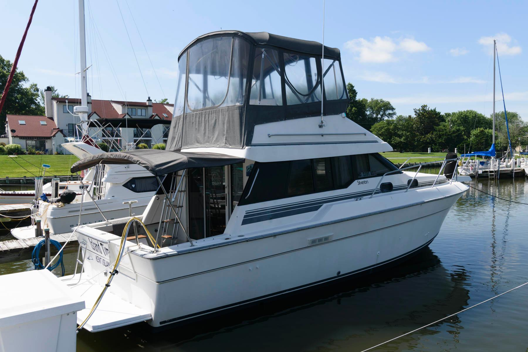 M 6232 JP Knot 10 Yacht Sales