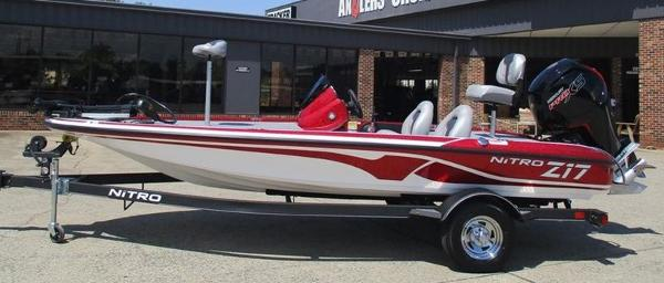 2021 Nitro boat for sale, model of the boat is Z17 & Image # 1 of 10