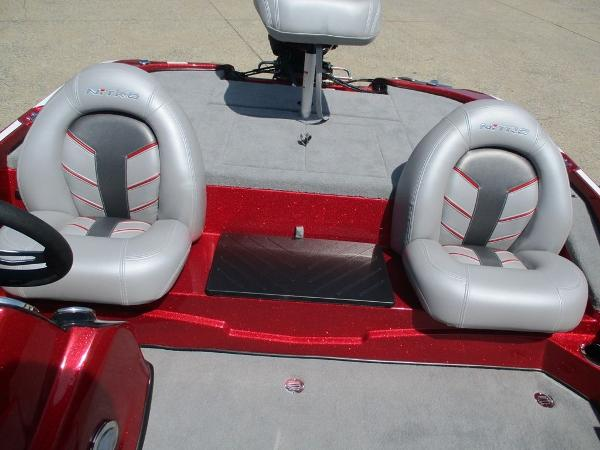 2021 Nitro boat for sale, model of the boat is Z17 & Image # 8 of 10