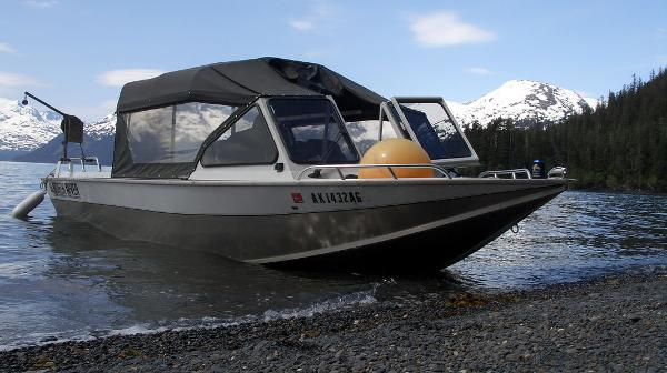 2002 North River boat for sale, model of the boat is 22' Commander & Image # 1 of 14