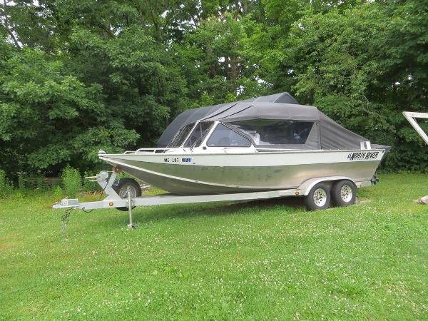 2002 North River boat for sale, model of the boat is 22' Commander & Image # 4 of 14