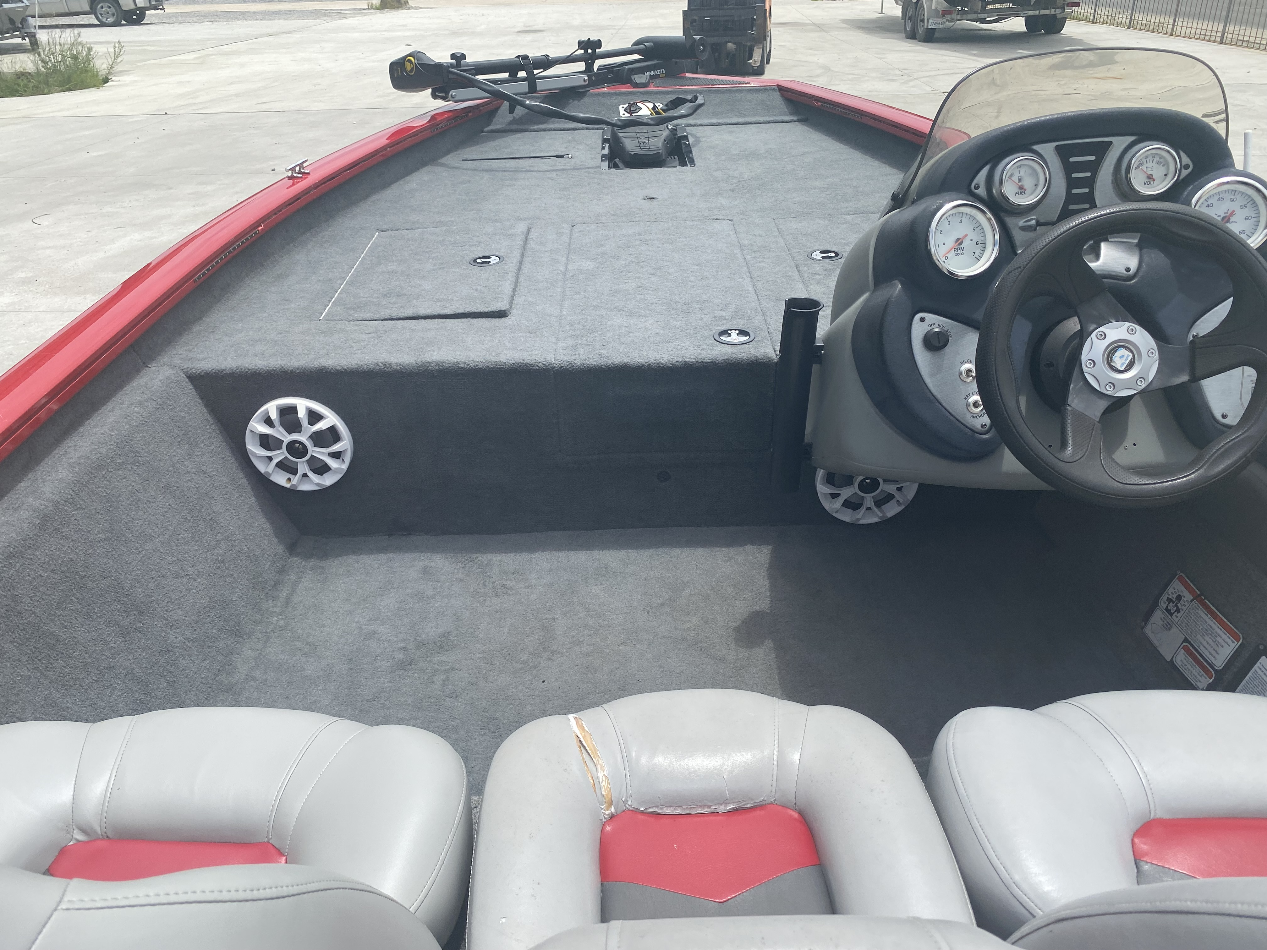 2016 Tracker Boats boat for sale, model of the boat is Pro Team 175 TXW & Image # 3 of 11