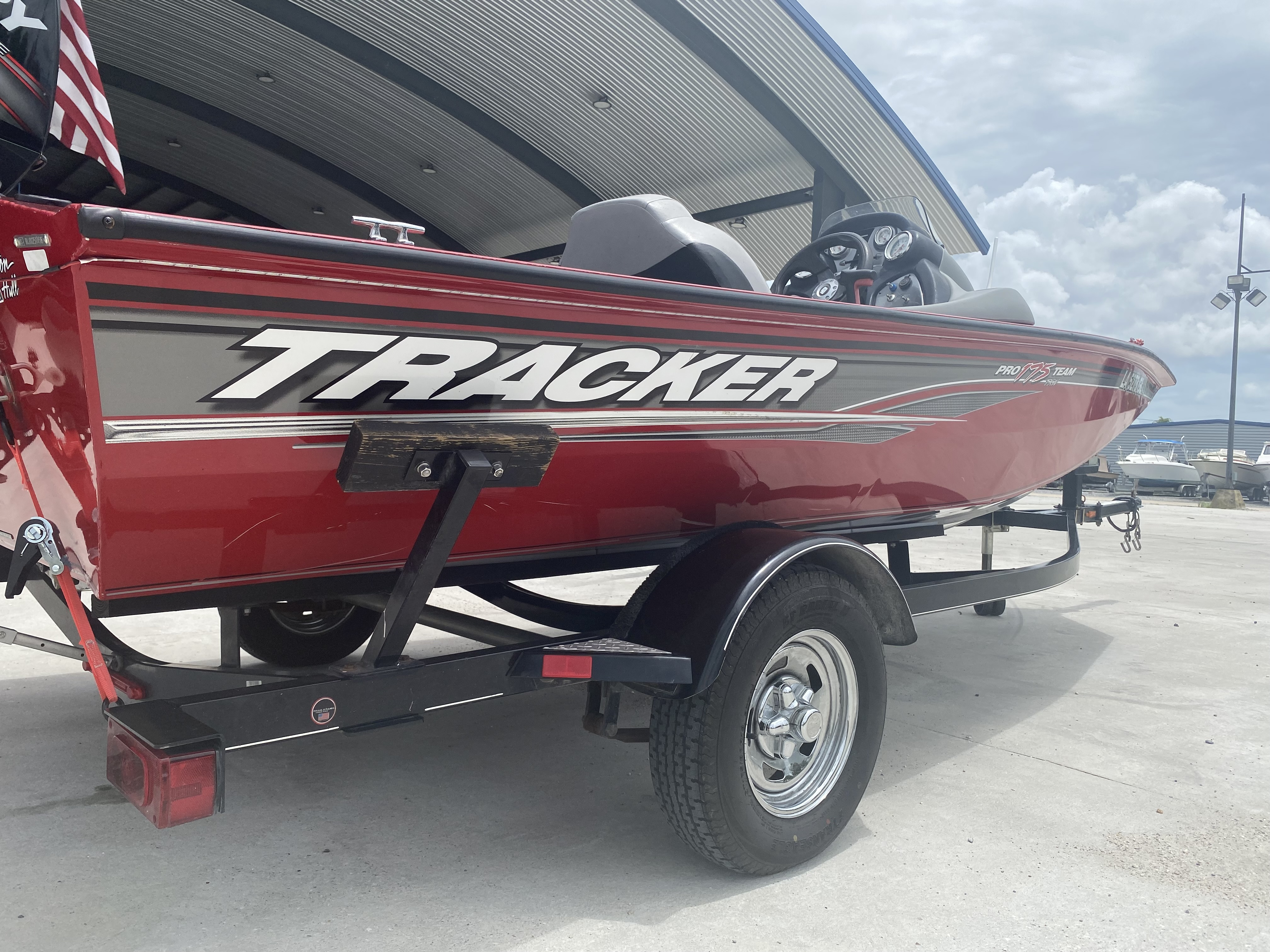 2016 Tracker Boats boat for sale, model of the boat is Pro Team 175 TXW & Image # 10 of 11
