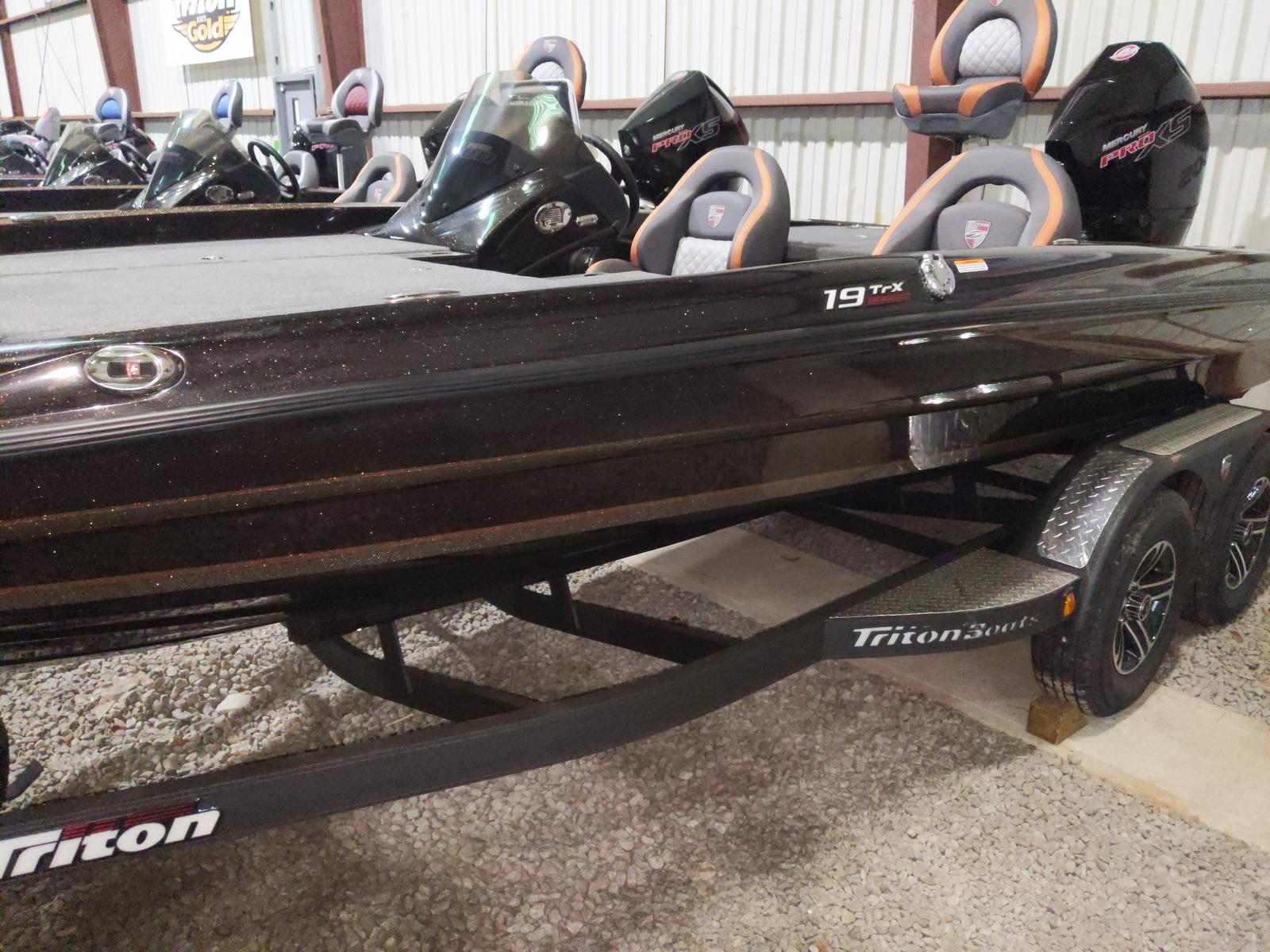 2020 Triton boat for sale, model of the boat is 19TRX w/200L PXS4 TQM 1.75 & Image # 2 of 18