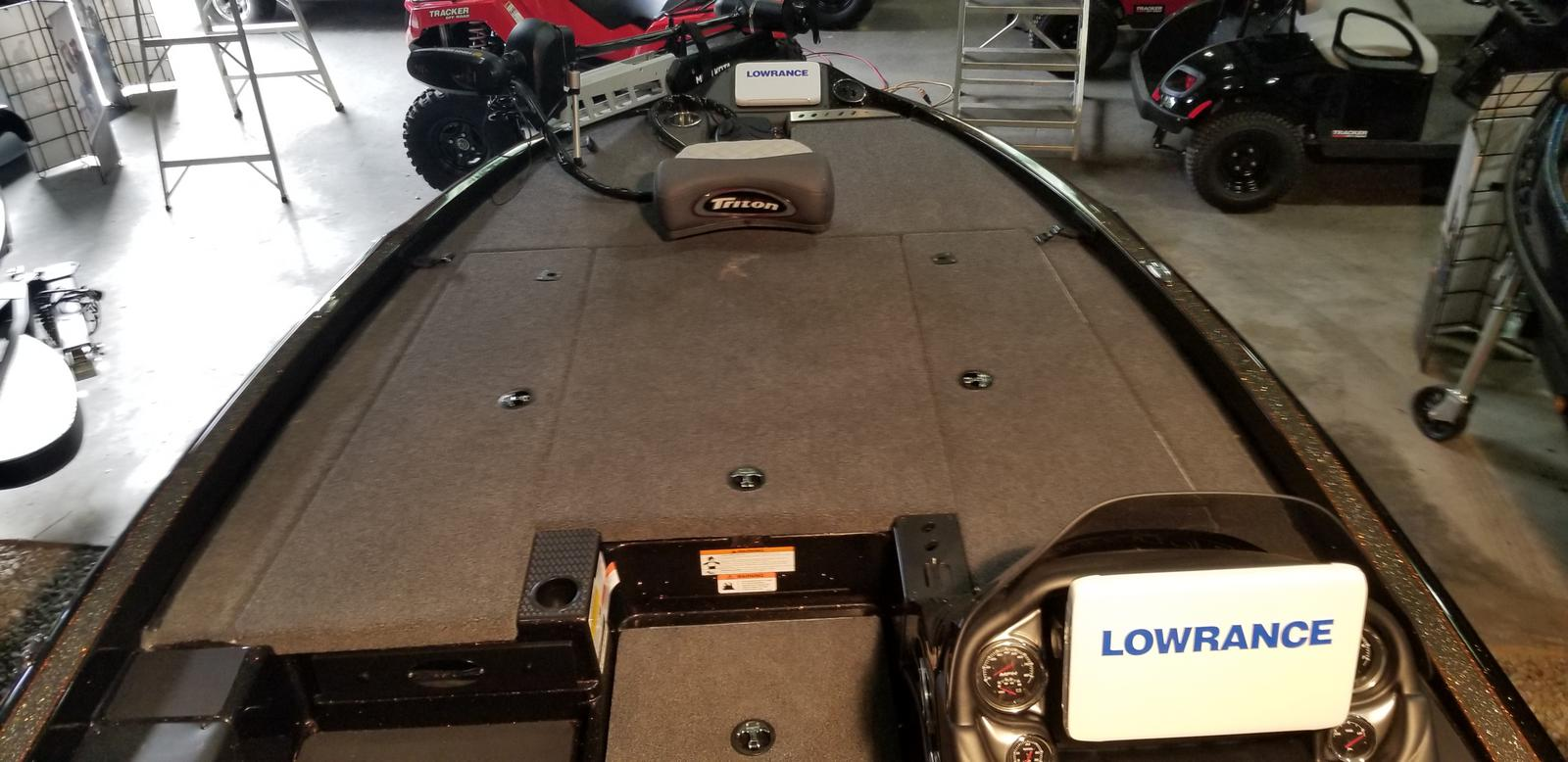 2020 Triton boat for sale, model of the boat is 19TRX w/200L PXS4 TQM 1.75 & Image # 6 of 18