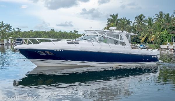 2013 INTREPID 430 Sport Yacht