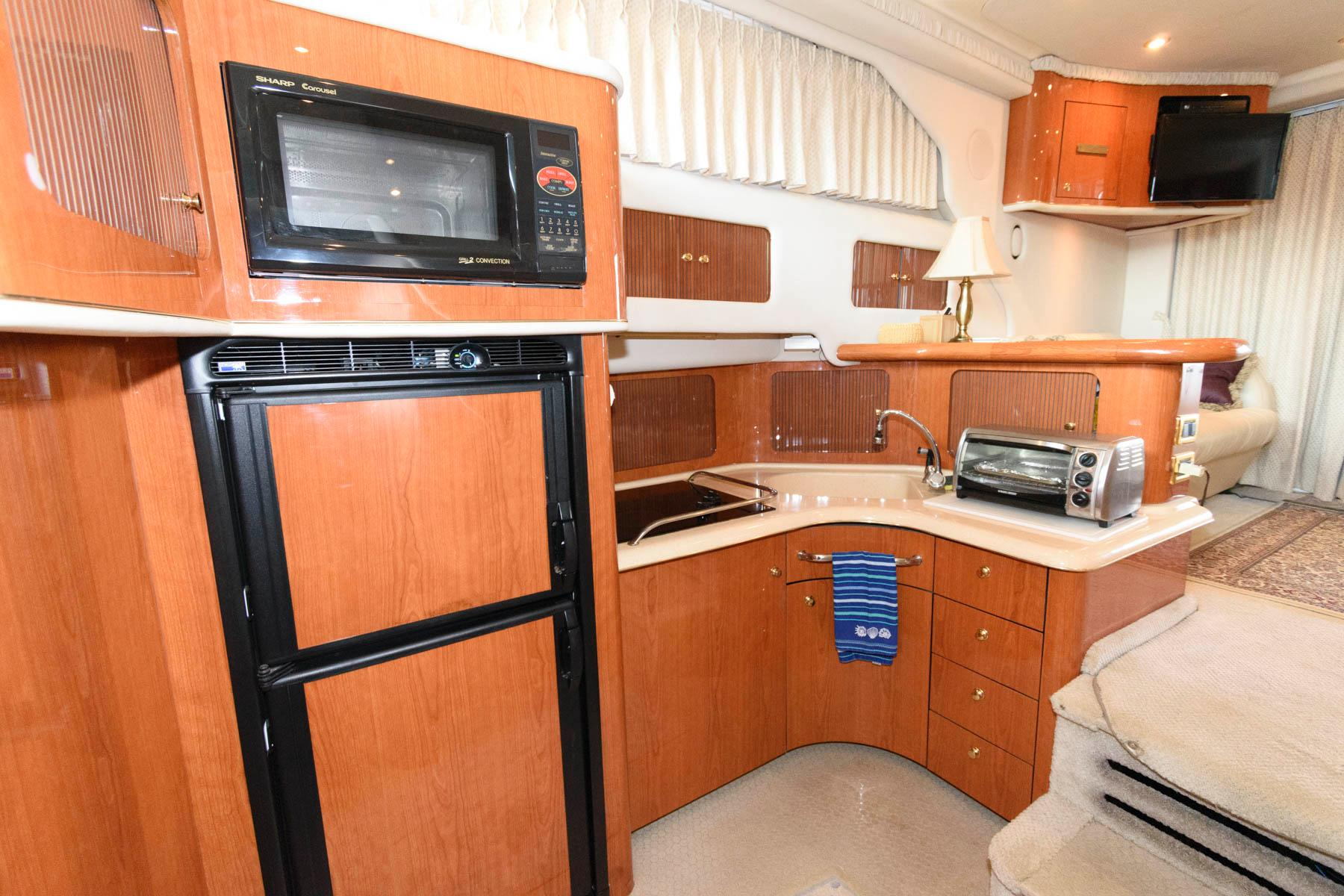 V 6212 VR Knot 10 Yacht Sales