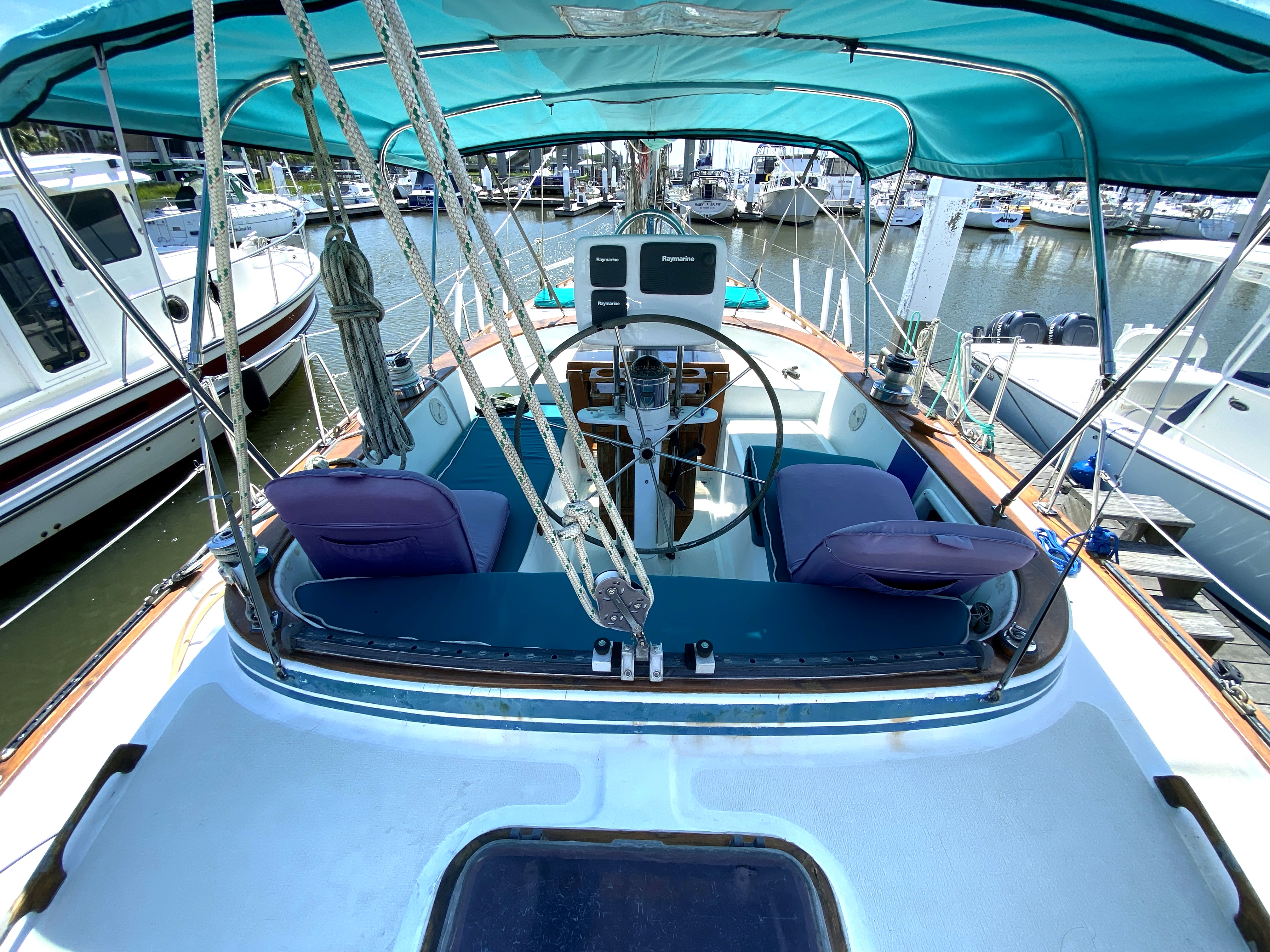 Endeavour 40 Center Cockpit - Endeavour 40 Center Cockpit