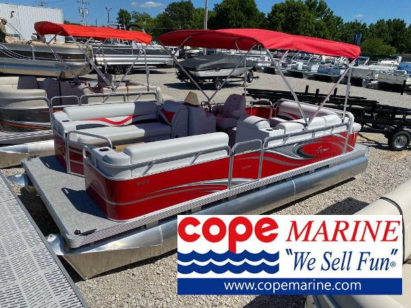 2021 Apex Marine 820 Lanai