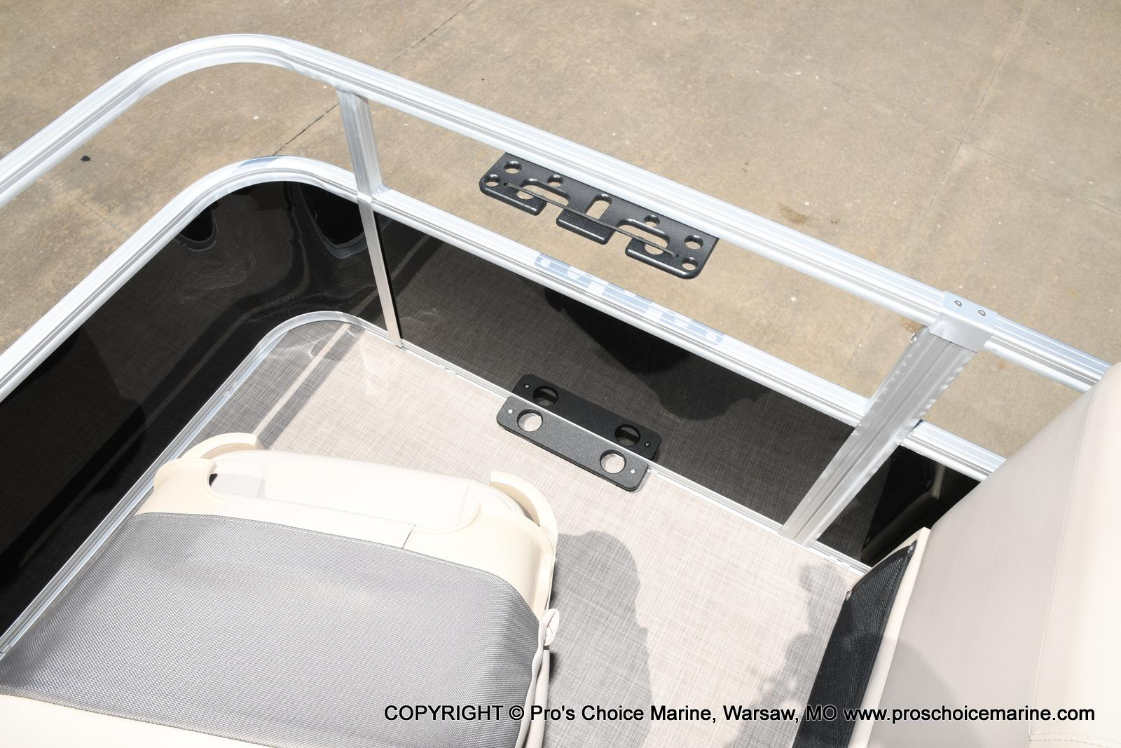 2021 Sun Tracker boat for sale, model of the boat is Fishin' Barge 20 DLX & Image # 24 of 50