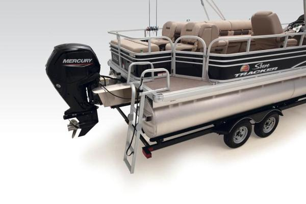 2021 Sun Tracker boat for sale, model of the boat is FISHIN' BARGE® 24 DLX & Image # 14 of 35