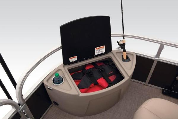2021 Sun Tracker boat for sale, model of the boat is FISHIN' BARGE® 24 DLX & Image # 16 of 35