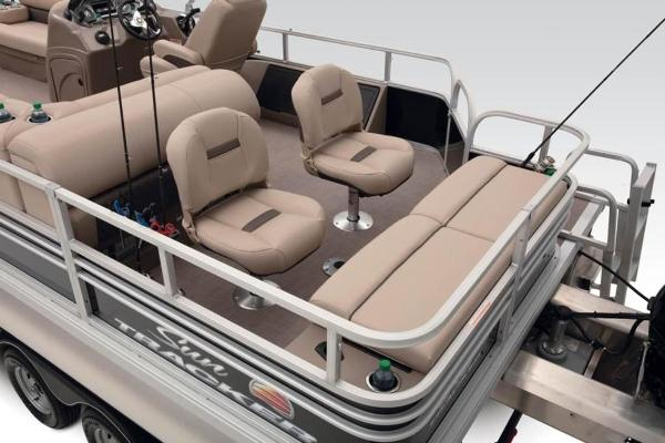 2021 Sun Tracker boat for sale, model of the boat is FISHIN' BARGE® 24 DLX & Image # 22 of 35