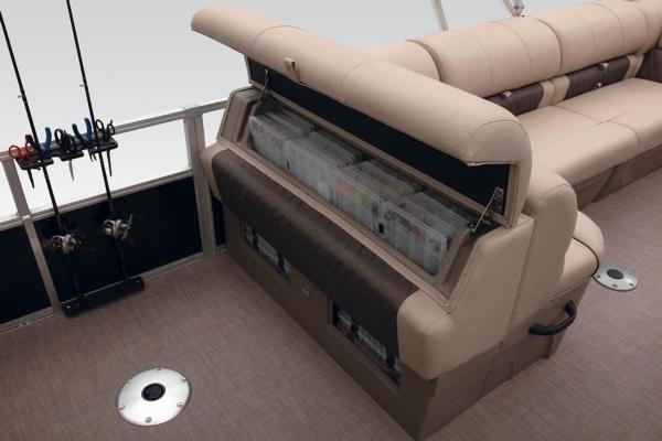 2021 Sun Tracker boat for sale, model of the boat is FISHIN' BARGE® 24 DLX & Image # 32 of 35