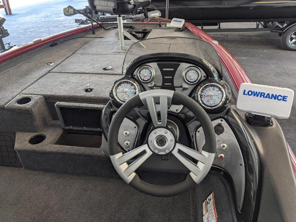 2021 Tracker Boats boat for sale, model of the boat is Pro Team 175 TXW Tournament Edition & Image # 2 of 9