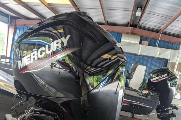 2021 Tracker Boats boat for sale, model of the boat is Pro Team 175 TXW Tournament Edition & Image # 4 of 9
