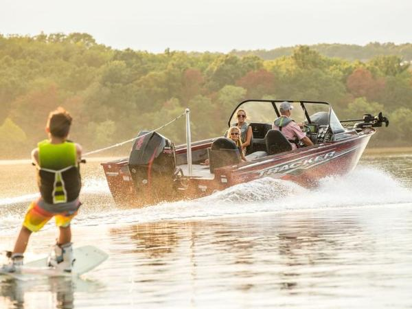2021 Tracker Boats boat for sale, model of the boat is Targa™ V-18 Combo & Image # 9 of 16