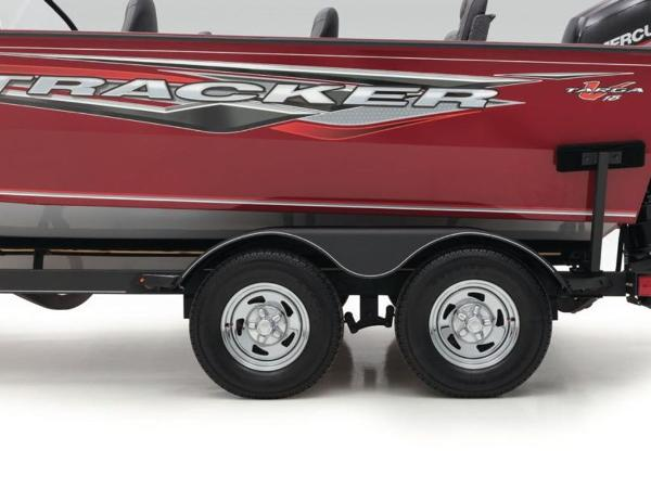 2021 Tracker Boats boat for sale, model of the boat is Targa™ V-18 Combo & Image # 13 of 16