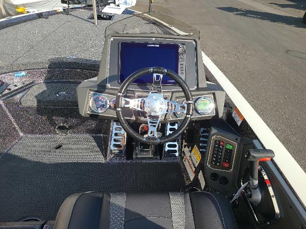 2021 Ranger Boats boat for sale, model of the boat is Z521L RANGER CUP EQUIPPED & Image # 8 of 70