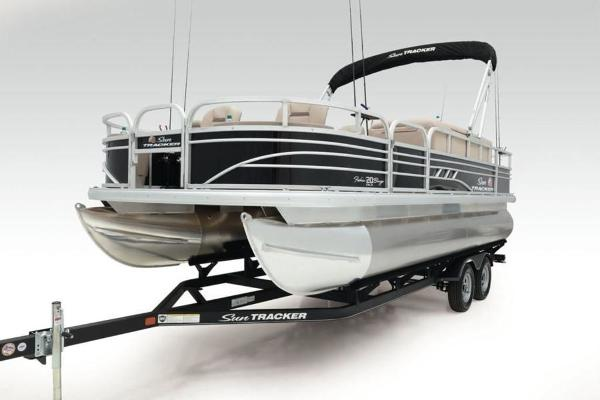 2022 Sun Tracker boat for sale, model of the boat is FISHIN' BARGE® 20 DLX & Image # 6 of 28