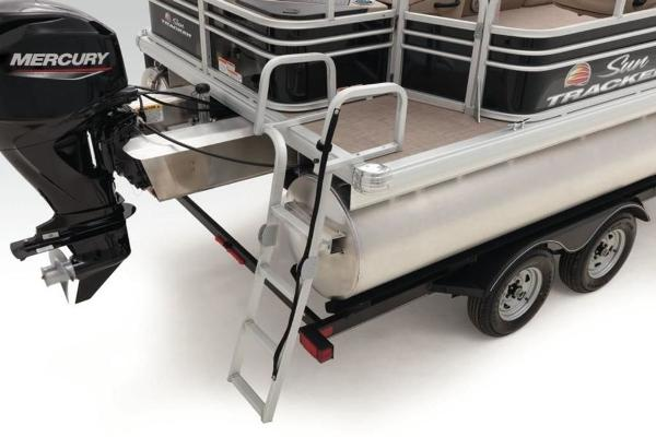 2022 Sun Tracker boat for sale, model of the boat is FISHIN' BARGE® 20 DLX & Image # 8 of 28