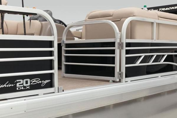 2022 Sun Tracker boat for sale, model of the boat is FISHIN' BARGE® 20 DLX & Image # 18 of 28