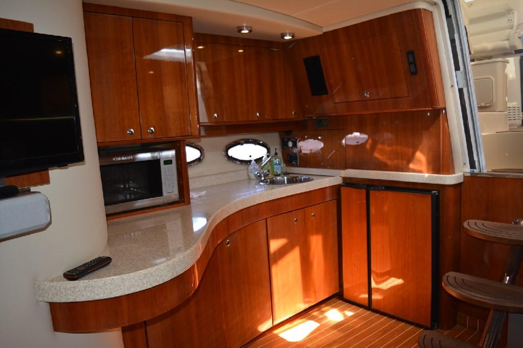 Regal 4460 Commodore - Galley