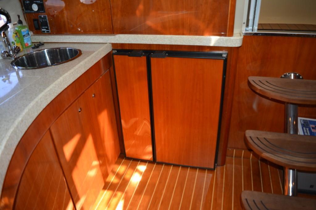 Regal 4460 Commodore - Galley Refrigerator / Freezer