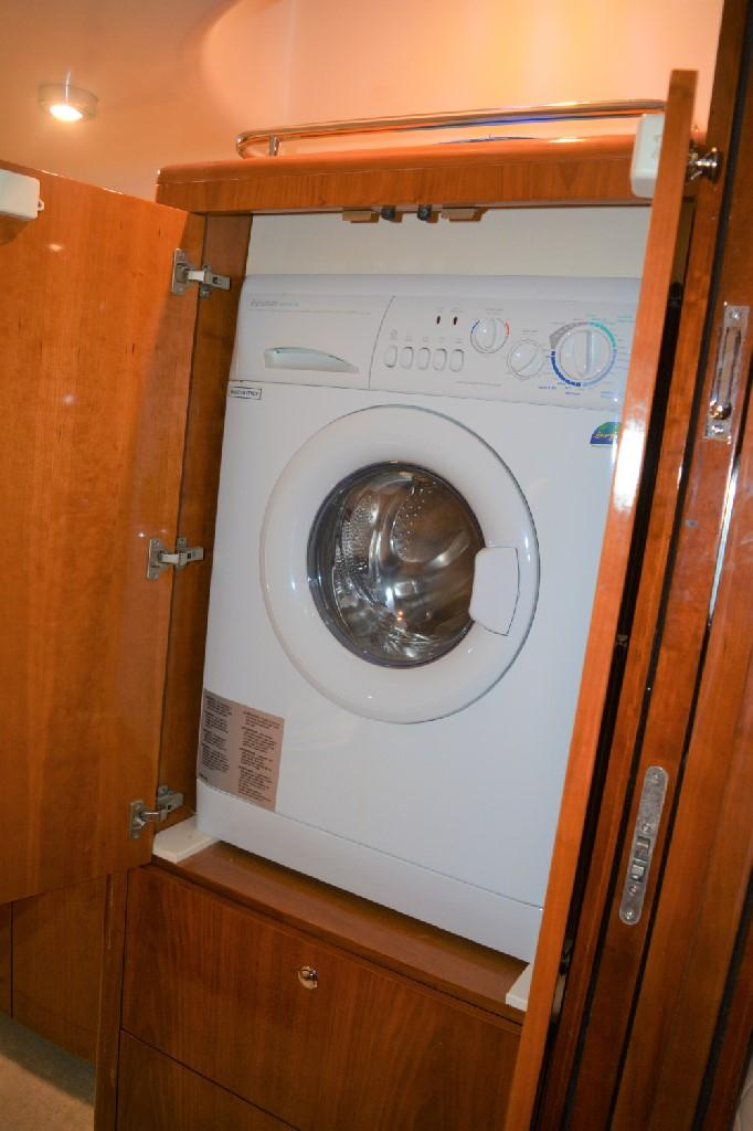 Regal 4460 Commodore - Washer-Dryer Combo