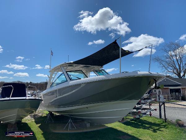 2021 Boston Whaler 320 Vantage thumbnail