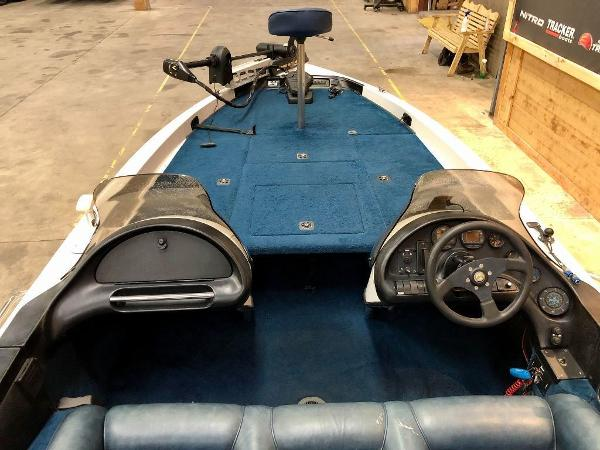 1996 Ranger Boats boat for sale, model of the boat is 482 VS & Image # 2 of 10