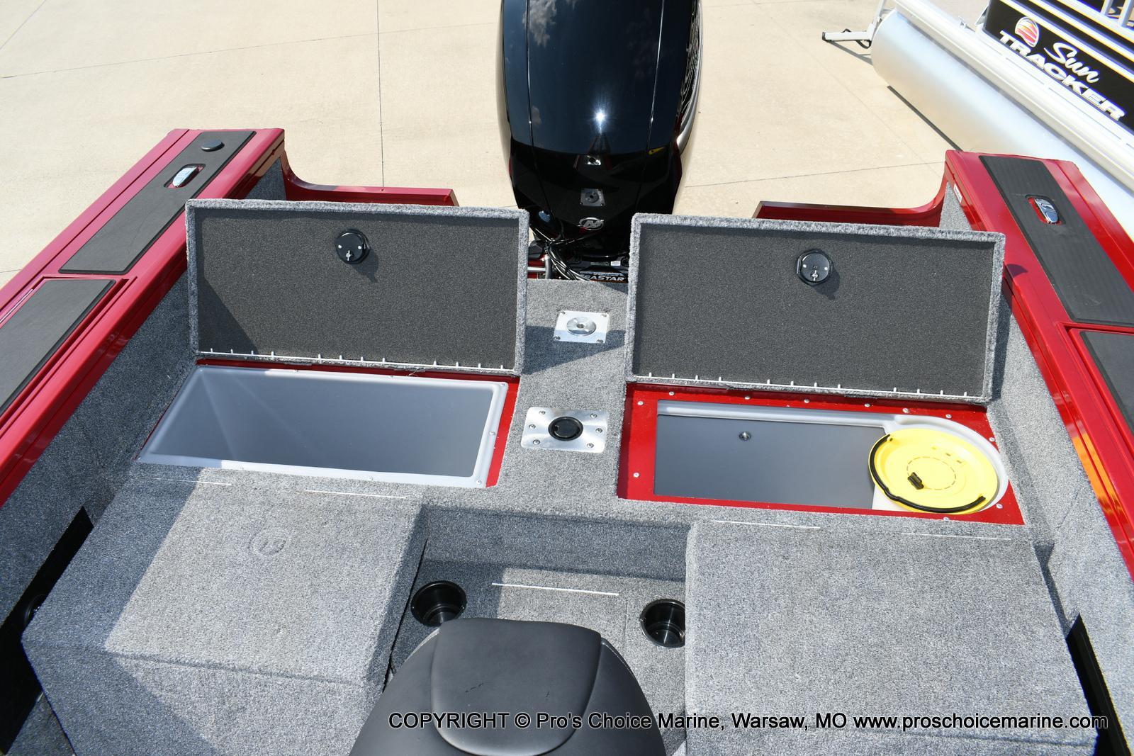 2021 Tracker Boats boat for sale, model of the boat is Targa V-18 WT & Image # 15 of 50
