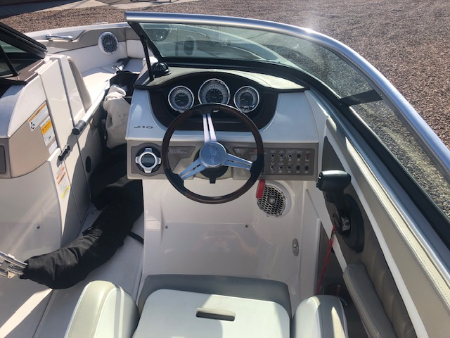 2013 Sea Ray boat for sale, model of the boat is 210 Select & Image # 3 of 14
