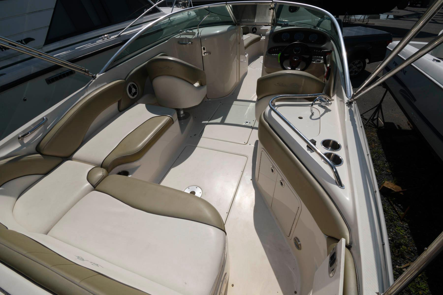 M 6464 MD Knot 10 Yacht Sales
