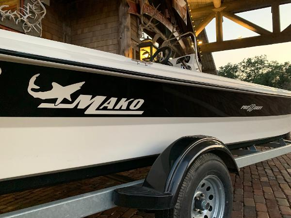 2021 Mako boat for sale, model of the boat is Pro Skiff 19 CC & Image # 4 of 12