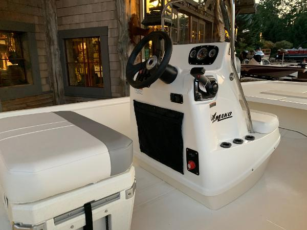 2021 Mako boat for sale, model of the boat is Pro Skiff 19 CC & Image # 5 of 12