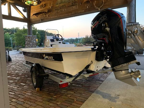 2021 Mako boat for sale, model of the boat is Pro Skiff 19 CC & Image # 7 of 12