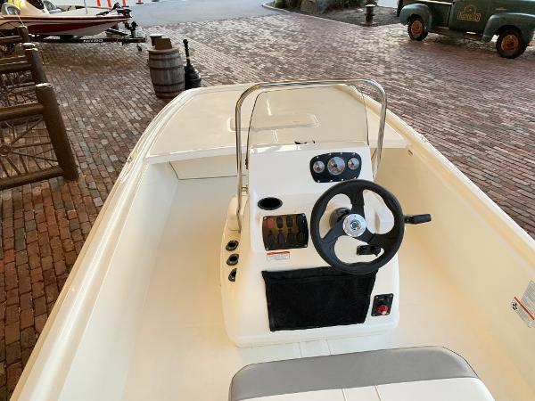 2021 Mako boat for sale, model of the boat is Pro Skiff 19 CC & Image # 8 of 12