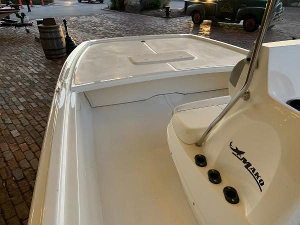 2021 Mako boat for sale, model of the boat is Pro Skiff 19 CC & Image # 9 of 12