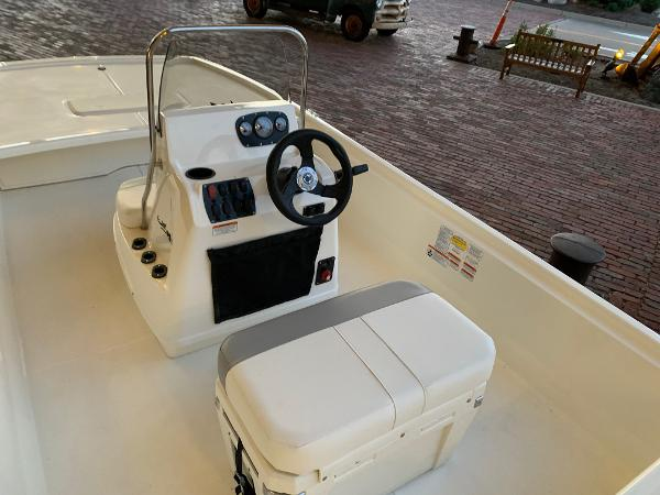 2021 Mako boat for sale, model of the boat is Pro Skiff 19 CC & Image # 11 of 12