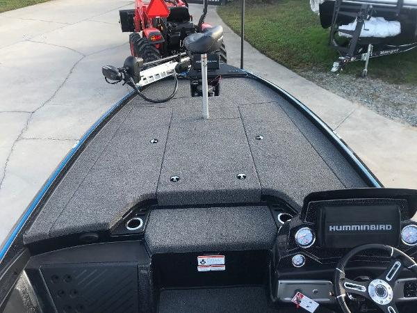 2021 Nitro boat for sale, model of the boat is Z20 Pro & Image # 3 of 11