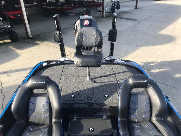 2021 Nitro boat for sale, model of the boat is Z20 Pro & Image # 9 of 11