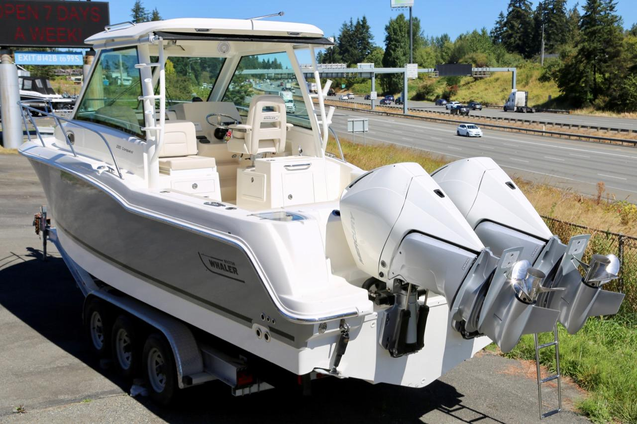 2021 Boston Whaler 285 Conquest