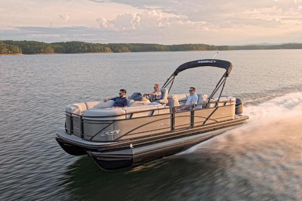 2021 Regency boat for sale, model of the boat is 230 DL3 & Image # 10 of 47