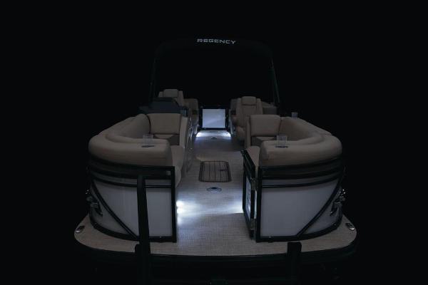 2021 Regency boat for sale, model of the boat is 230 DL3 & Image # 39 of 47