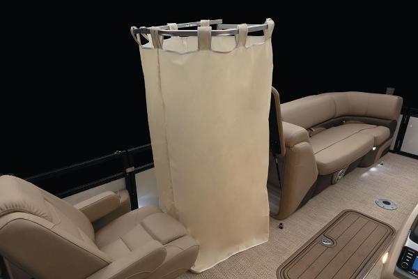 2021 Regency boat for sale, model of the boat is 230 DL3 & Image # 45 of 47